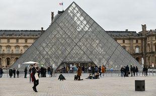 Le Louvre va proposer aux enchères des œuvres offertes par des artistes.