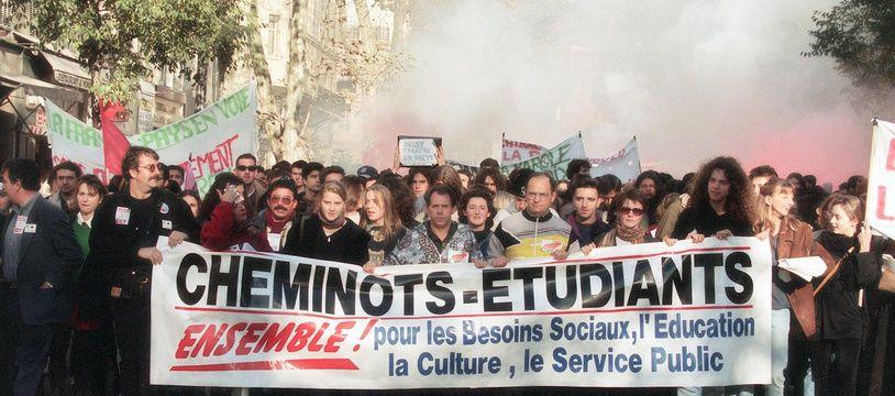 Une manifestation à Marseille le 30 novembre 1995 contre les réformes sociales.