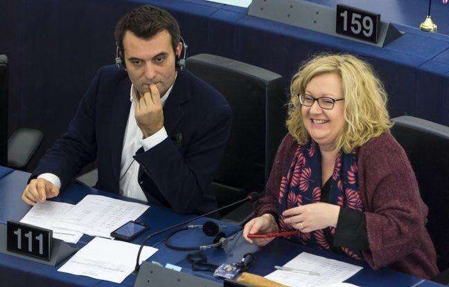 Les députés européens Sophie Montel, vice-présidente des Patriotes, et Florian Philippot, au Parlement européen le 25 octobre 2017 à Strasbourg