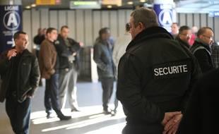 Manifestation des vigiles et agents de securite du metro Tisseo contre la casse de leur contrat de sous-traitance de leur societe vers Tisseo.