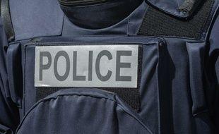 Les policiers toulousains ont interpellé une femme de 33 ans qui roulait avec 600 litres d'essence dans des bidons, à l'arrière de sa voiture. Illustration.