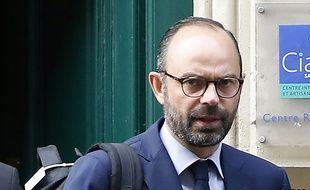 Le nouveau Premier ministre Edouard Philippe à Paris, avant de se rendre à Matignon pour la composition de son nouveau gouvernement, le 16 mai 2017.