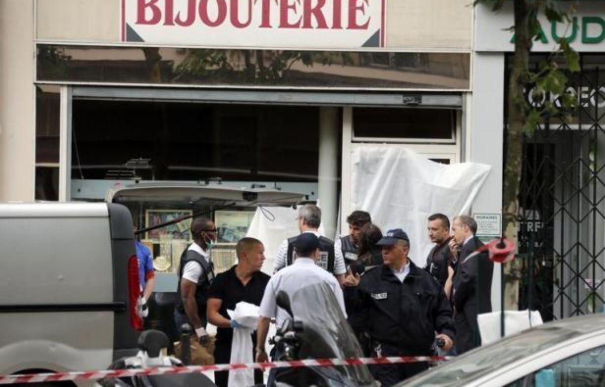 Le bijoutier parisien qui a tué un homme qui tentait de braquer son commerce jeudi a été déféré samedi en début d'après-midi et devait être présenté à un juge d'instruction – Pierre Verdy afp.com