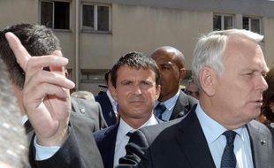 """Jean-Marc Ayrault a assuré mercredi à l'Assemblée avoir """"toute confiance"""" en son ministre de l'Intérieur, Manuel Valls, malgré leur récent différend au sujet de la capacité d'""""intégration"""" des Roms en France."""