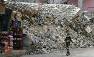 Une rue ravagée de Deir Ezzor en Syrie le 19 février 2015