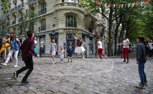 La Fête de la musique se tiendra bien le 21 juin (sur la photo, la Fête de la musique à Montmartre en juin 2020).