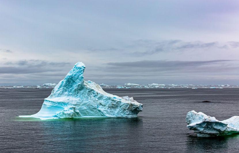 Groenland : La calotte glaciaire fond sept fois plus vite que dans les années 90, selon une étude