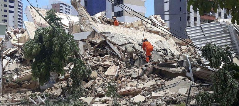 L'immeuble qui s'est effondré mardi 15 octobre à Fortaleza, au Brésil.
