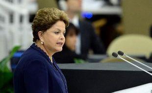 """La présidente du Brésil Dilma Rousseff a violemment critiqué mardi à l'ONU le programme d'écoutes américain, affirmant qu'il était """"intenable"""" et qu'il violait le droit international."""