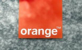 """La ministre déléguée à l'économie numérique Fleur Pellerin a indiqué vendredi soir que """"l'on peut espérer une réparation dans la nuit"""" après la """"panne importante"""" qui affectait depuis 16 heures de très nombreux usagers du réseau de téléphonie mobile Orange."""