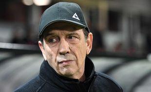 Jean-Louis Gasset, ici lors de sa première très spéciale en tant qu'entraîneur principal de l'ASSE, mercredi à Guingamp. FRED TANNEAU