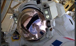 Thomas Pesquet a fait un selfie dans l'espace le vendredi 13 janvier 2017.