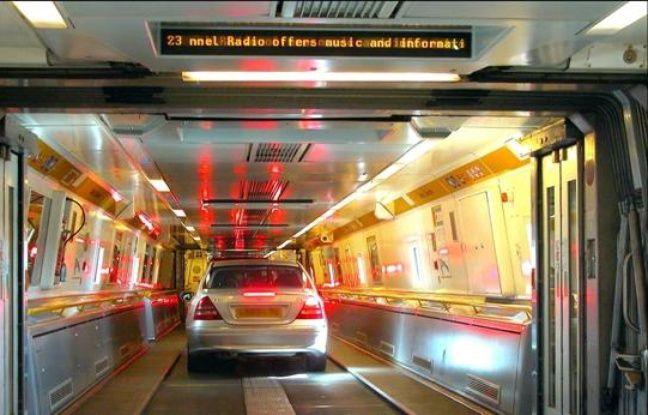 des passagers oubli s dans l 39 eurotunnel. Black Bedroom Furniture Sets. Home Design Ideas