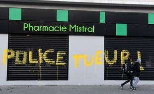 A Grenoble, mardi 5 mars, dans le quartier Mistral, où vivaient les deux garçons morts samedi.