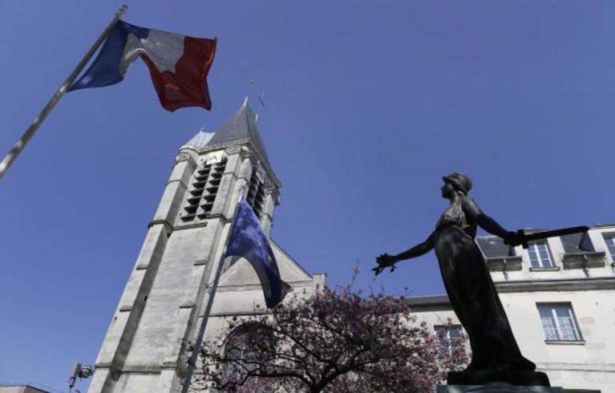 L'église Saint-Cyr-et-Sainte-Julitte le 22 avril 2015 à Villejuif, cible probable de Sid Ahmed Ghlam, algérien de 24 ans. – KENZO TRIBOUILLARD AFP