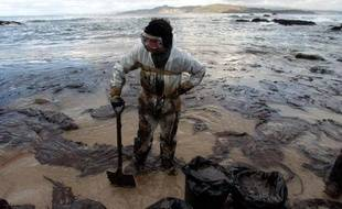 L'Espagne fera appel pour obtenir des compensations pour la marée noire, l'une des pires de l'histoire, provoquée par le naufrage en 2002 du Prestige au large de ses côtes nord-ouest, a annoncé lundi le ministre espagnol de la Justice Alberto Ruiz-Gallardon.