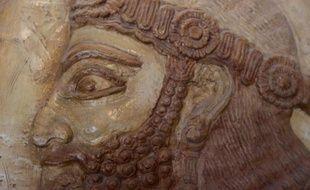 Un artefact exposé au musée national irakien à Bagdad, le 28 février 2015