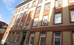 Lille, le 1er octobre 2014 - La façade du lycée Fénelon