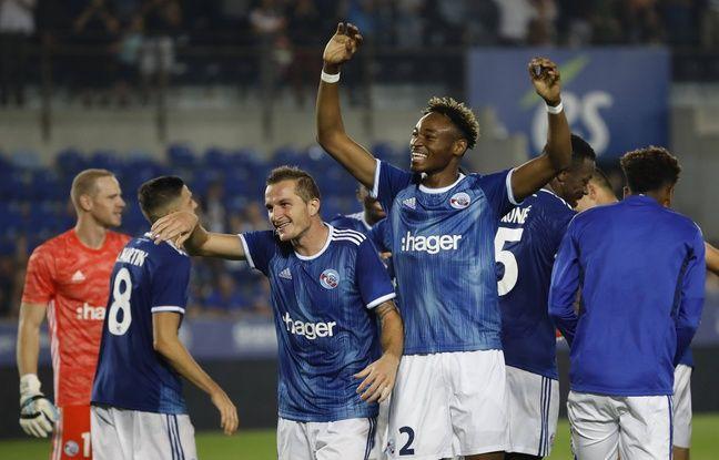 Les joueurs strasbourgeois célébrant leur victoire à domicile contre Francfort, le 22 août 2019.