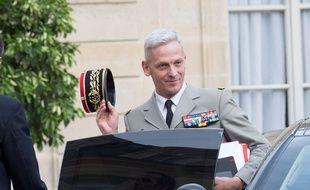 le chef d'état-major des armées, le général François Lecointre, le  2 août 2017 à l'Elysée.