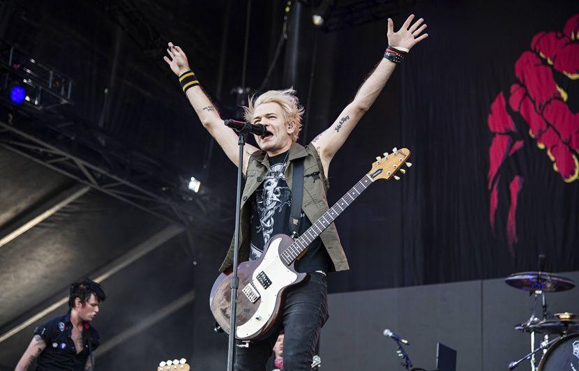 Paris: Sum 41 annule un concert à cause d'un « engin explosif », qui était en fait un « pétard » lancé par des « gilets jaunes»
