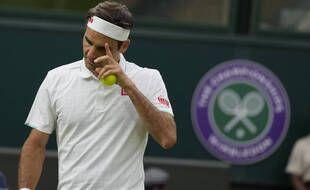 Roger Federer a eu du mal à se débarrasser d'Adrian Mannarino au premier tour de Wimbledon, le 29 juin 2021.