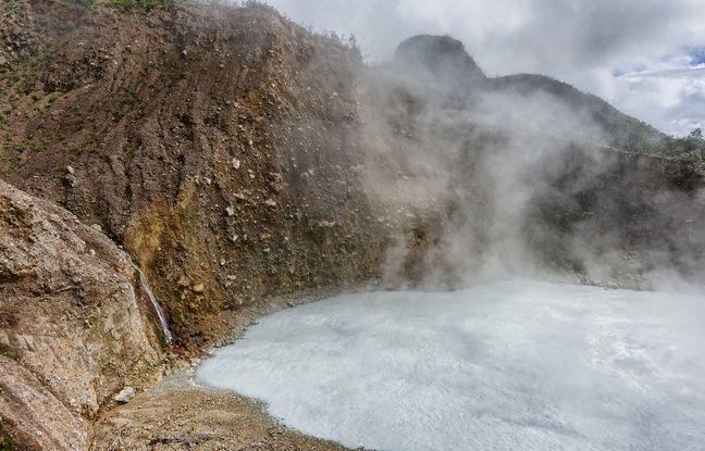 Avec ses 60 mètres de diamètre, le Boiling Lake est le deuxième plus grand lac bouillonnant du monde.