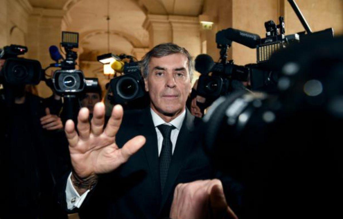 Jérôme Cahuzac à son arrivée le 8 février 2016 au palais de justice de Paris – LIONEL BONAVENTURE AFP