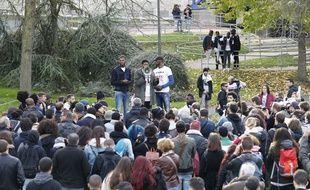 Théo, 22 ans, lors d'un rassemblement organisé à Bobigny (Seine-saint-Denis) contre les violences policières le 28 octobre 2017.