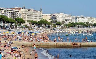 En juin 2019, l'ONGEco Union a dénoncé dans un rapport les abus du tourisme bleu, celui du bord de mer.