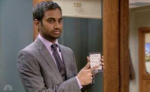 "Avec son ""Paper iPhone"", Aziz Ansari (Parks and Recreation) pense disruptif."