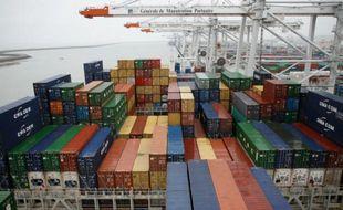 Une baisse des approvisionnements en pétrole a permis de réduire le déficit commercial de la France en mars