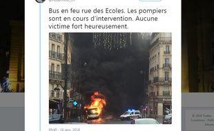 Un bus a pris feu dans le Ve arrondissement de Paris, ce mardi matin. Aucun passager n'a été blessé.
