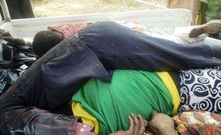 Des bandits de grands chemins ont tué quinze commerçants qui rentraient jeudi soir dans leur village après un jour de marché dans l'Etat de Zamfara (nord), a indiqué un chef de la police locale vendredi.