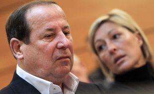 Elie Brun, maire UMP de Fréjus, à côté de sa femme en décembre 2013.