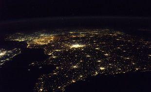 Vue depuis l'espace de la Bretagne et de la France. Photo prise par l'astronaute français Thomas Pesquet.
