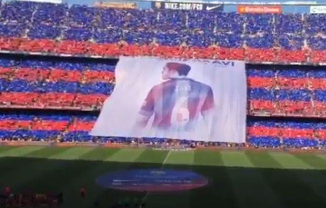 Le tifo des Barcelonais pour Xavi