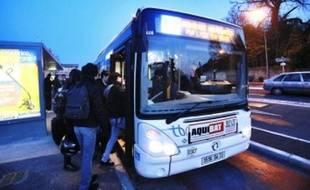 La liane 3, qui part de Saint-Médard, a été prise d'assaut par les scolaires hier matin.