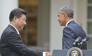 Le président chinois Xi Jinping serre la main de Barack Obama à la Maison Blanche, le 25 septembre 2015.