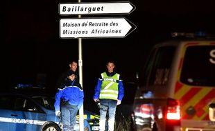 Un homme armé a fait intrusion dans une maison de retraite à Montferrier-sur-Lez, tuant une surveillante de l'établissement.