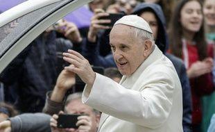 Le pape François sur la place Saint-Pierre le 4 avril 2018.