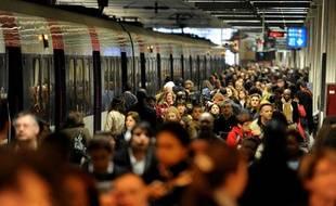 Quai de RER à la Gare du Nord, à Paris, le 7 avril 2010.