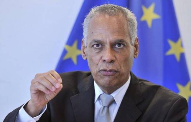 """Le ministre des Outre-mer Victorin Lurel s'est prononcé pour la tenue """"à la fin de l'année"""" de la prochaine réunion du comité des signataires de l'accord de Nouméa, a-t-on appris jeudi auprès du ministère."""