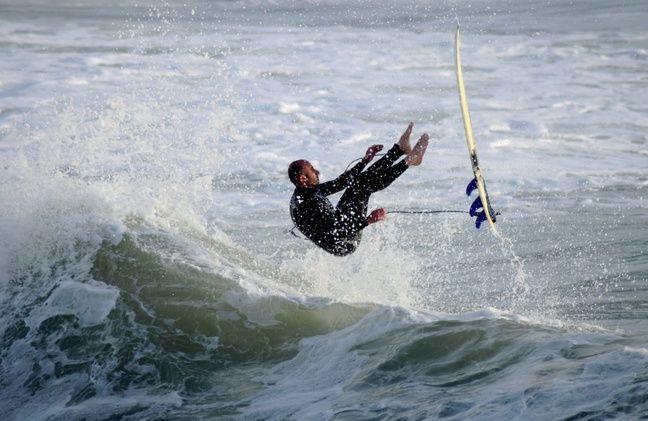 Un surfeur à La Govelle.