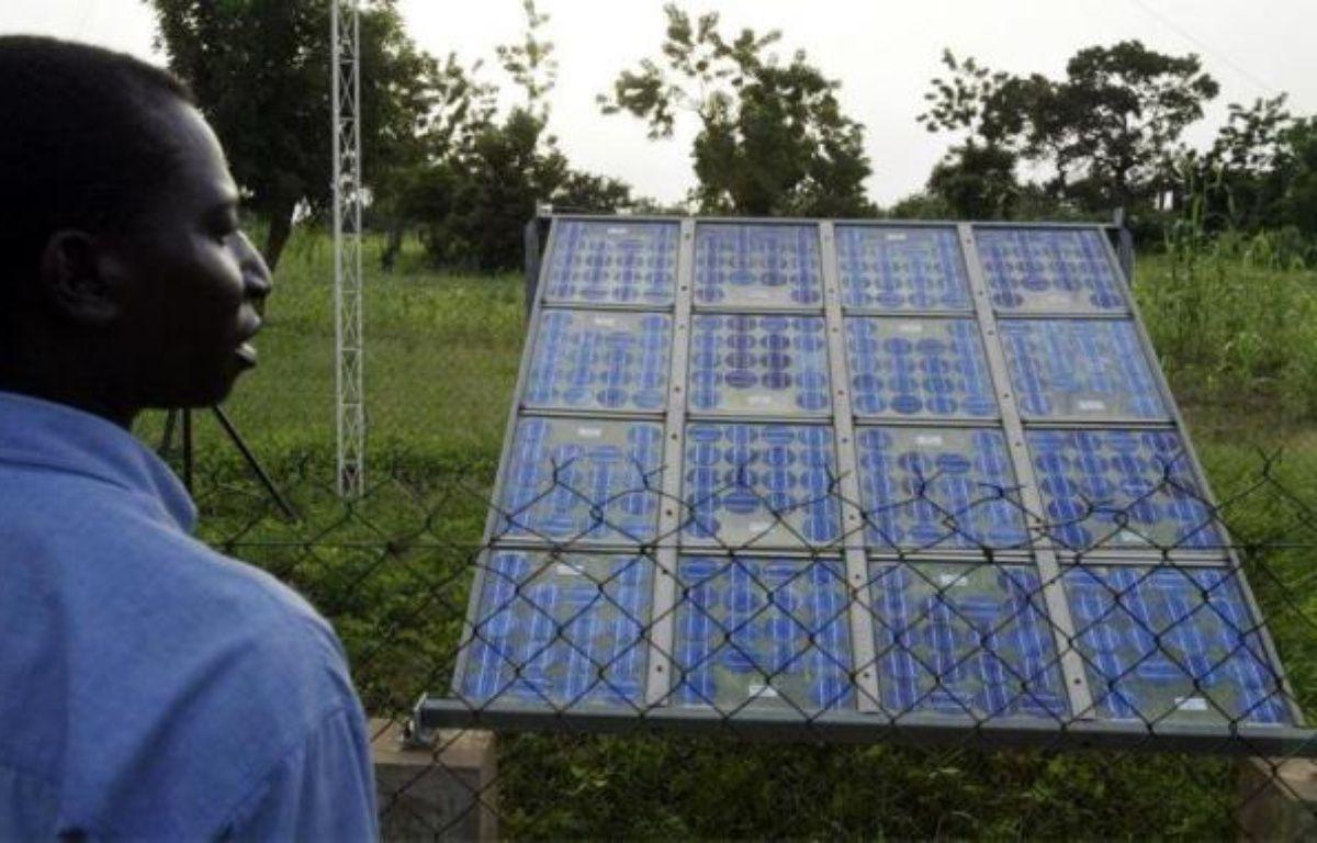 Un projet pharaonique qui ambitionne de produire de l'énergie solaire et éolienne dans les déserts du Maghreb et du Moyen-Orient et de la transporter vers l'Europe commence lentement à prendre forme, même si de nombreuses incertitudes techniques et politiques demeurent. – Issouf Sanogo afp.com
