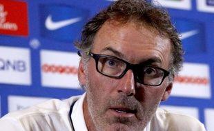 Le coach du PSG Laurent Blanc en conférence de presse, le 15 août 2015.