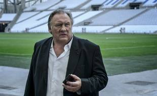 Gérard Depardieu incarne le maire de Marseille.