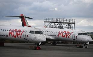 Des avions de la compagnie Hop!, filiale d'Air France.