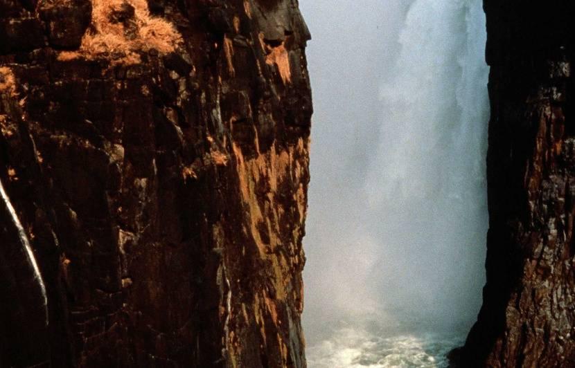 Zimbabwe : Les splendides chutes Victoria réduites à un simple courant d'eau à cause de la sécheresse