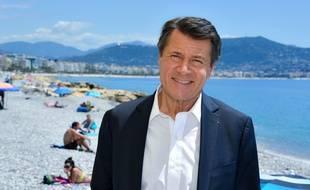 Christian Estrosi, maire sortant (LR) de Nice, le 23 juin sur une plage de la promenade des Anglais